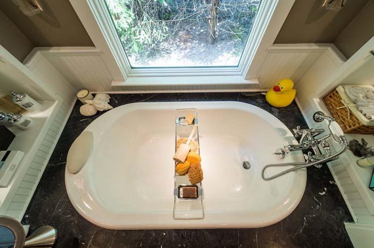 Bathtub in NJ custom home